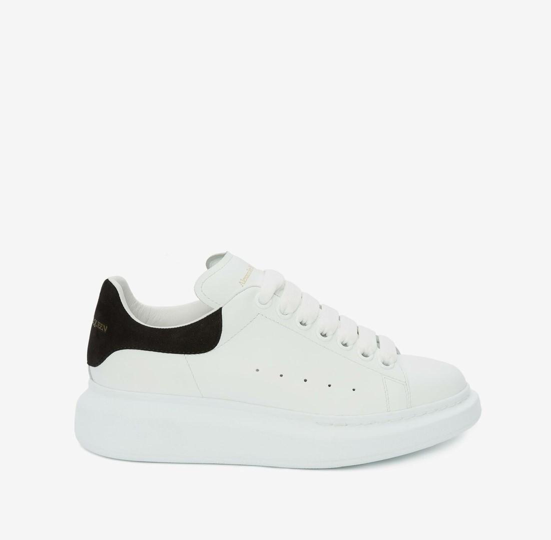 Alexander McQueen經典黑尾小白鞋