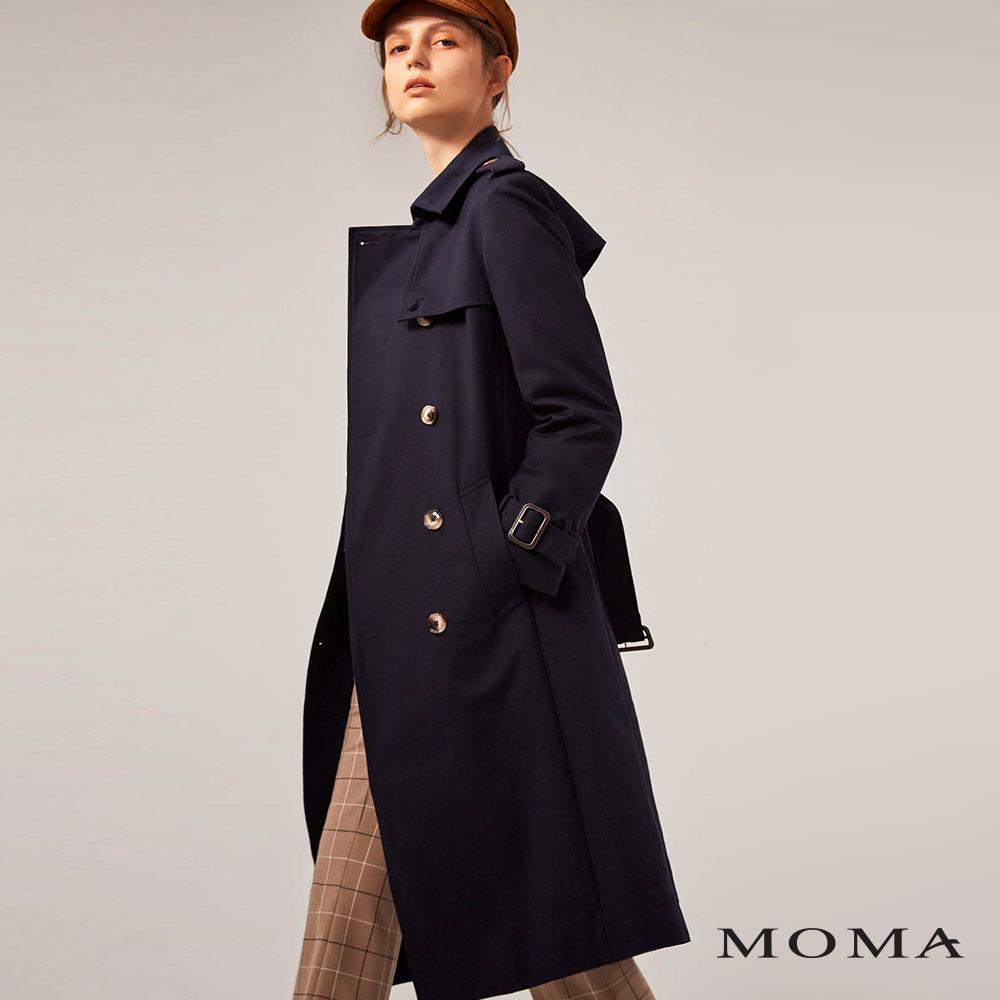 MOMA(02J047)長版率性款風衣