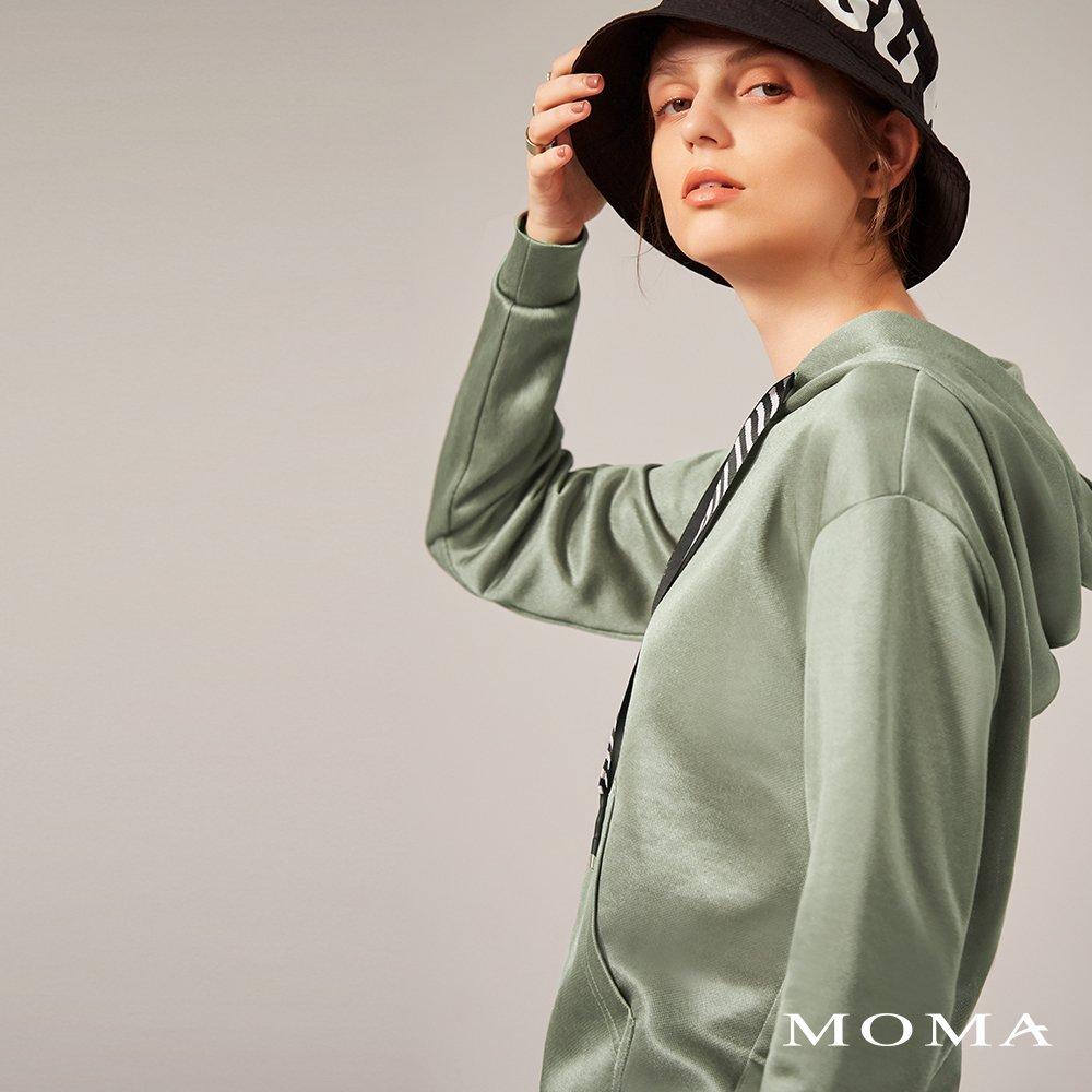 MOMA(02M059)質感光澤連帽上衣