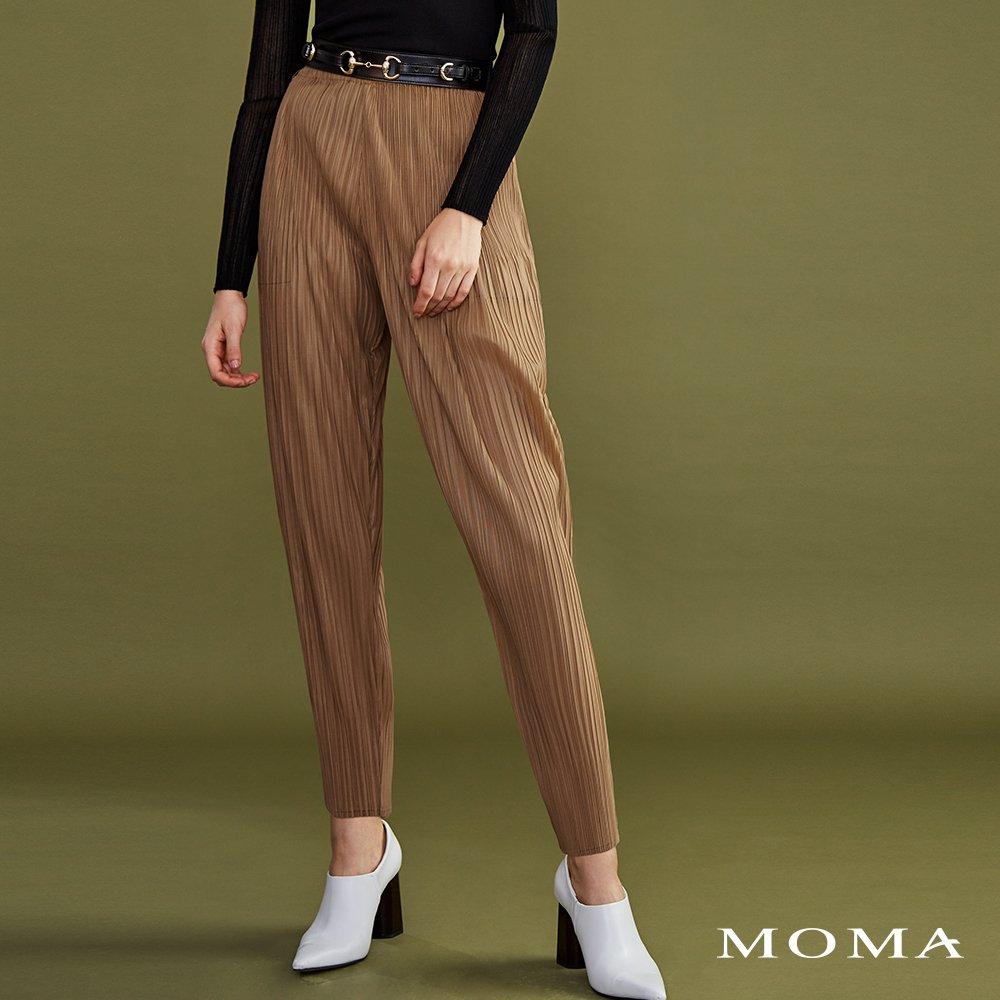 MOMA(02P050)壓褶造型縮口褲