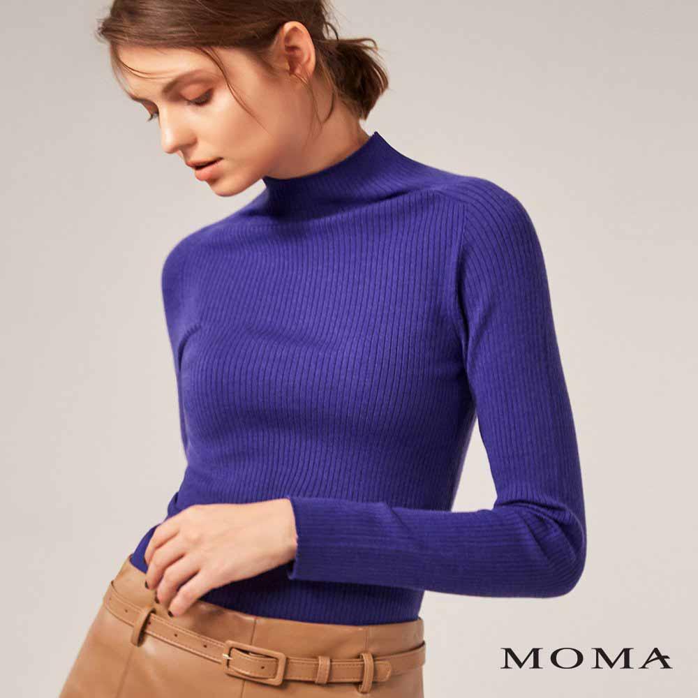 MOMA(02KM28)簡約高領坑條上衣